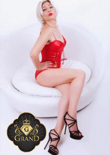 Yvette Massagegirl